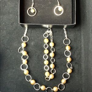 Jewelry - Pearlesque open link 3 piece set